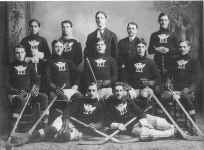 1903-04 Portage Lake hockey club world champs.jpg (207922 bytes)